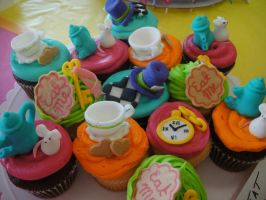 Mad Hatter Cupcakes by secretkitsune