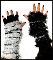 mistoffelees gloves by Valentine-Fair
