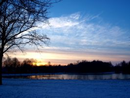 Winter sunset. by zhaleh