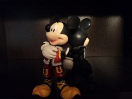 The Two Sides of King Mickey by Vqstudios
