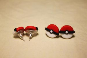 Pokeball Earrings by Nabila1790