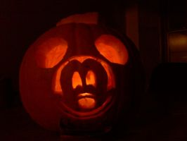 Mickey Pumpkin by 8i-Emmz-i8