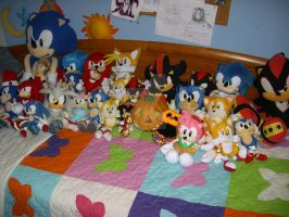 SONIC PLUSHIES WISH YOU HAPPY HALLOWEEN XD by 7marichan7