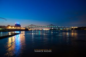 Jacques Cartier Bridge at Dusk by confucius-zero