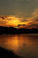 Golden night by Aredelsaralonde