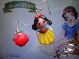 Snow White earrings by FrancescaBrt