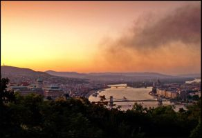 Twilight Over Budapest by AgiVega