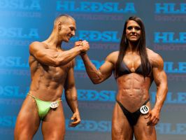 Female bodybuilder outmuscles man by edinaus