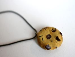 Chocolate Chip Cookie Necklace [fimo] by PaleMint