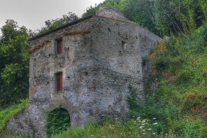 Little house - HDR by yoctox