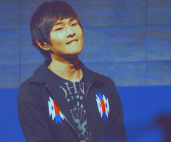onew02 by ueda04