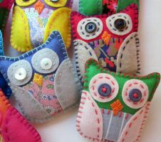 Mini Felt Plush Owls by lovarevolutionary