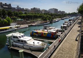 Port de l'Arsenal and private craft by EUtouring
