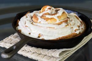 Cast Iron Skillet Cinnamon Roll by spidrz06