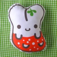 jellybunny pillow by ilovegravy