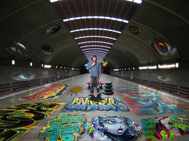 Trippy Subway by artmagetommy