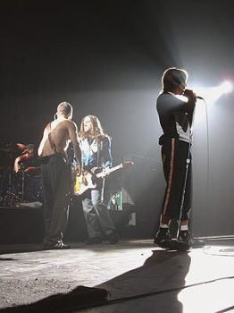Red Hot Chili Peppers by empyrelounge