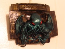 Cthulhu wall plaque by BennyBedlam