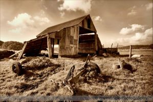 Ye Old Barn 0168s by mym8rick