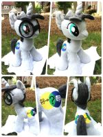 Quizzical Greystone Plush by MintyStitch
