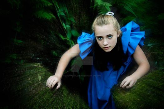 Alice out of the rabbit hole by logicaldelusions