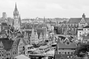 Bustling town of Gent by masteronion