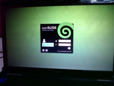 opensuse KDM Gnomish Style by a12dhie