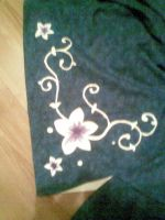 flower paint to skirt by Kansuli