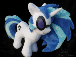 Large Vinyl Scratch / DJ pon3 plush by PinkuArt