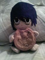"Plush ""L"" loves cookies by Side-Shiffter"