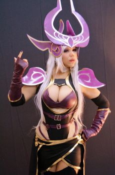 dark sovereign Syndra by dashcosplay