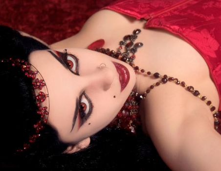 Blood Queen by Helleana