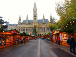 Rathaus Christmas Market by Airportable
