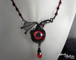 Vampire eye necklace by bodaszilvia