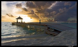 Maldivian sunset by janapka