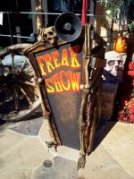 Freak Show Barker Podium by JupiterSequence