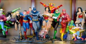 Justice League statue by Robby-Robert