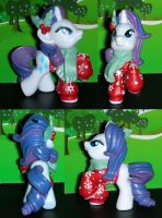 Christmas Rarity from My Little Pony by TianaTinuviel
