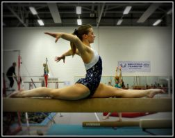 Splits on beam by Michelle-xD