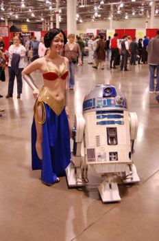 Wonder Leia with R2 by Hakuchan