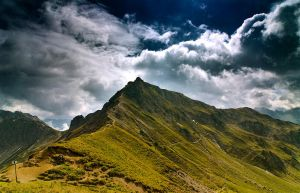 Cloudy Mountains III by mutrus