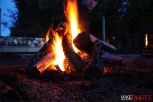 Sitting round the camp fire. by MikeRaats