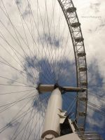 London Eye by MonicaSousa