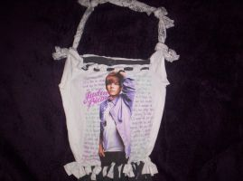 for kiana... even thought i hate JB by Ferret-Luver-Girl
