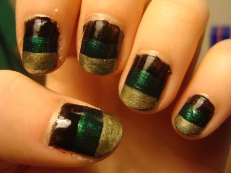 Block coloured nails by luminousleopard