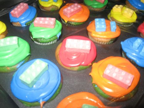 Lego Cupcakes by fieoria