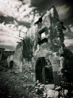 The ruins of Esco .. by imperterrito