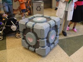 Companion Cube (Comicon) by gear25