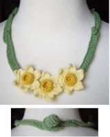 crochet daffodils necklace by meekssandygirl