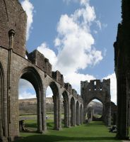 Llanthony Priory by nectar666